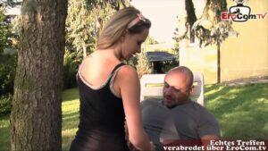 Sex im Garten mit der schlanken Teen Angel Piaff