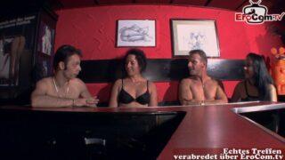 Unerfahrene Swinger erster Besuch im Swingerclub