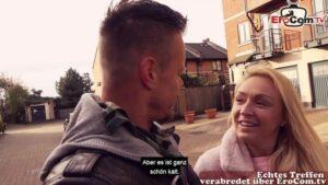 Vollbusige Engländerin Amber Deen abgeschleppt