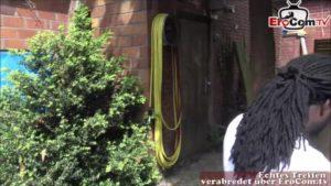 Deutsche Nachbarin fickt fremd mit Nachbarn