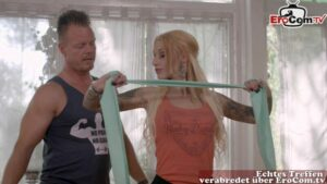 Sexy Frau Lucia Deluxe fickt beim Fitness