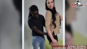 Schauspielcasting mit schöner Teen endet mit Sex