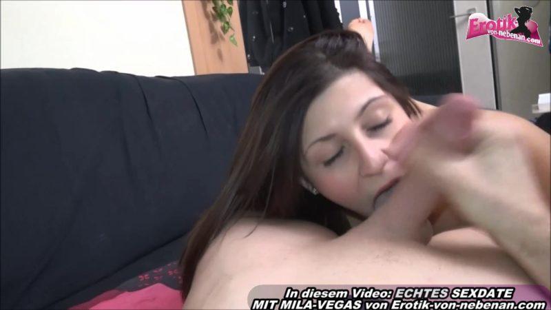 Hübsches Girl Mila-Vegas mit natürlichen Brüsten
